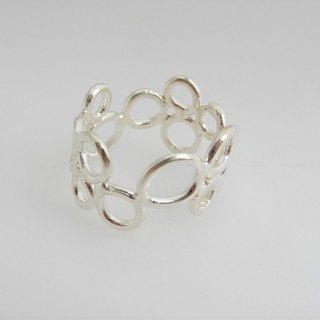 Round hole silver ring