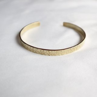 Ni.kou brass irregular grain bracelet (wide version)