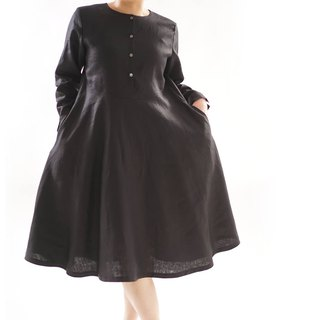 linen dress / flare dress / sleeves with slits / front button / black