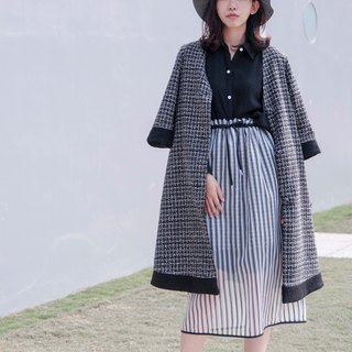 Mu Xu: black and white striped gauze skirt waist skirt