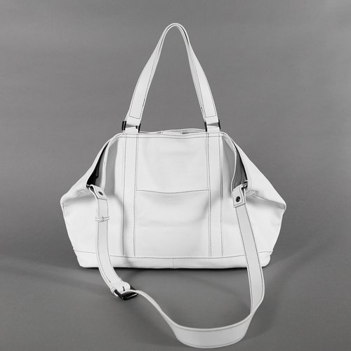 Passion handbag white portable / shoulder / oblique back