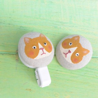 Hand-painted cat telescopic ticket holder & pin