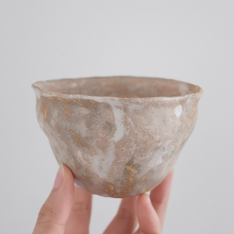 Vessel / white glaze pottery bowl