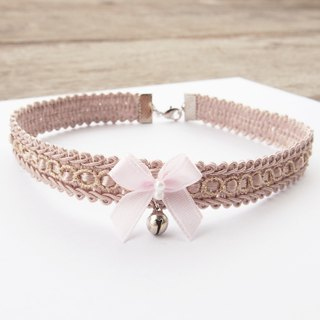 Pretty bow lace choker
