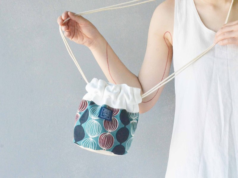Side bucket bag _ agaric green wave point