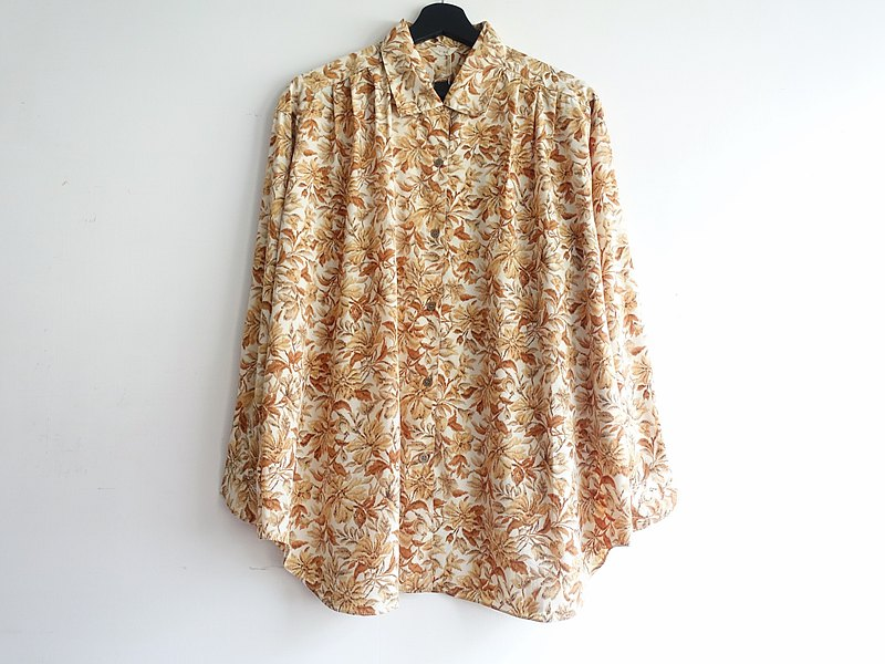 Awhile moment | Vintage long-sleeved shirt no.250