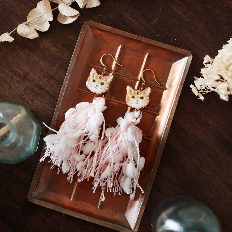 Small animal tassel handmade earrings - tabby cat meteor can be changed