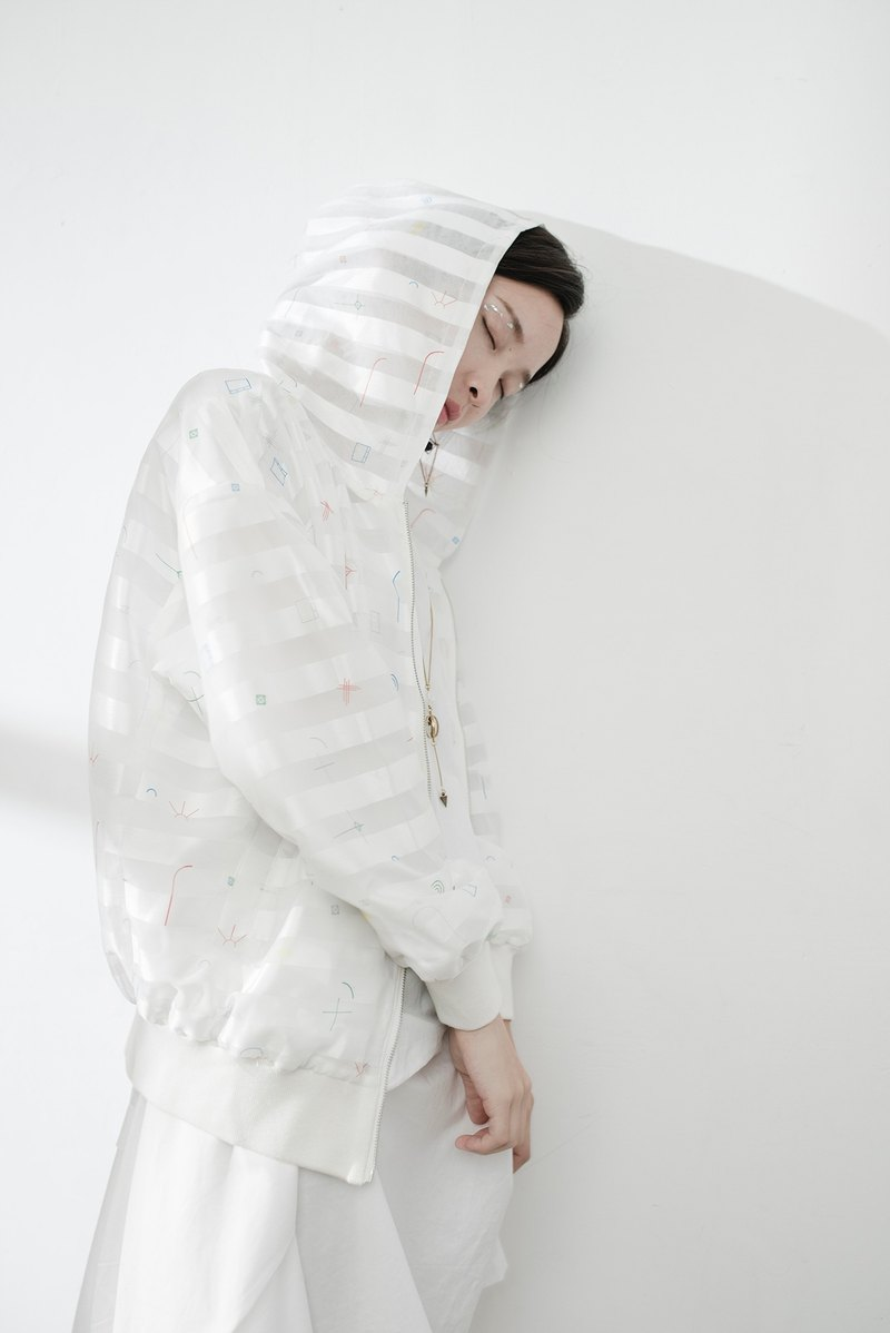 JUBY CHIU / white window frame staggered hooded jacket