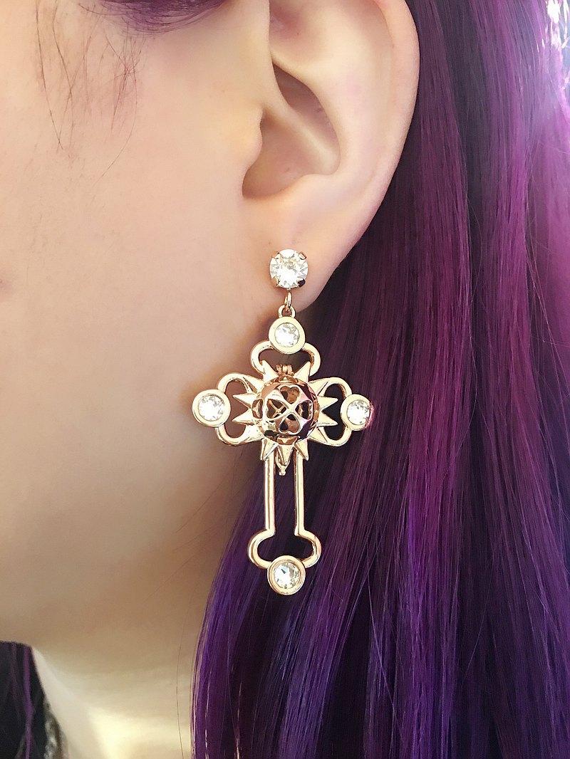 玫瑰金色大十字架耳環