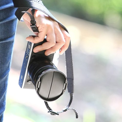 Cap Plus Anti-lost lens cap / hood 2 on 1-49mm
