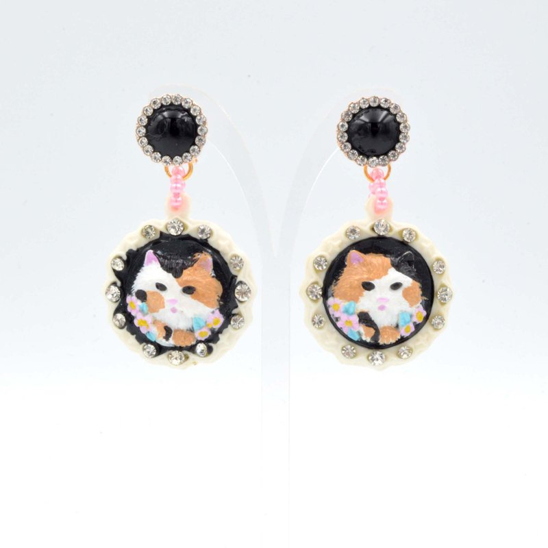 Hand-painted color embossed cat earrings cat tricolor cat black cat gray cat