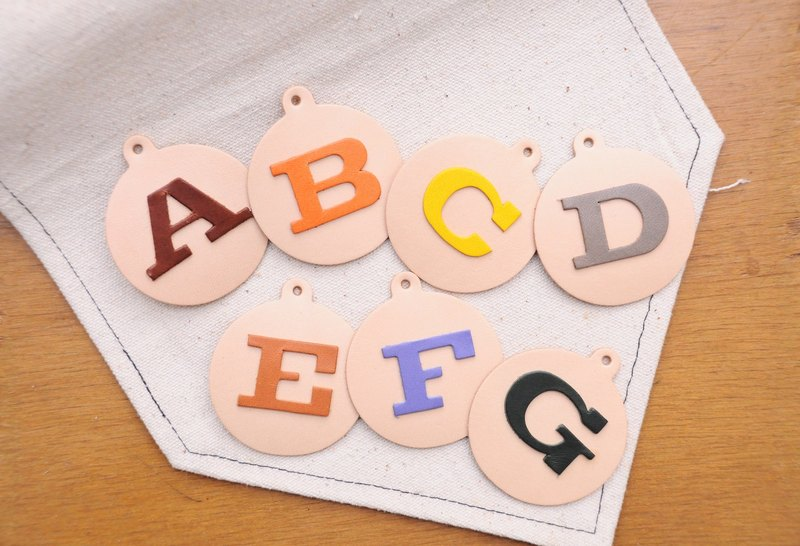 [INITIAL] One series of letters · vegetable tanned leather pieces Buy 3 {1} to send manual alphabet key chain leather upholstery leather accessories personalized DIY