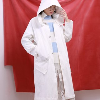 Wood drain Day / komorebi long section of thick hooded coat design white
