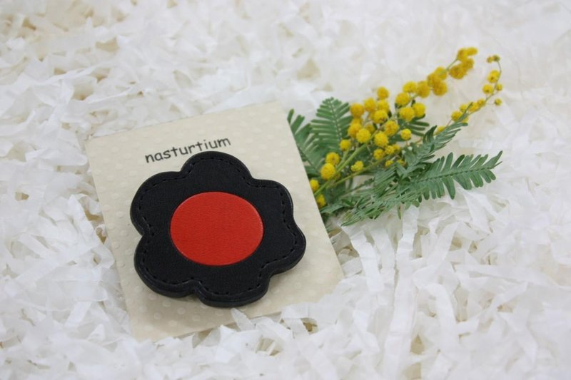 Brooch black × red flowers