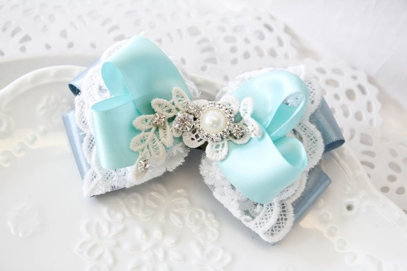 Tiffney green diamond lace bow