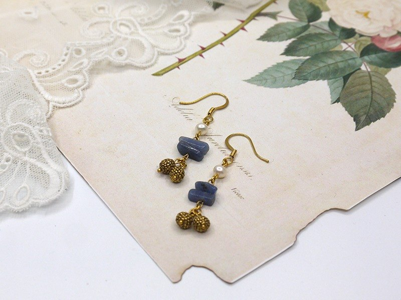 blue tourquois pearl brass beads earring