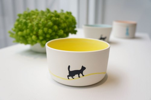 Cat hand made tea cup / Walking ~ (yellow / straight cup)
