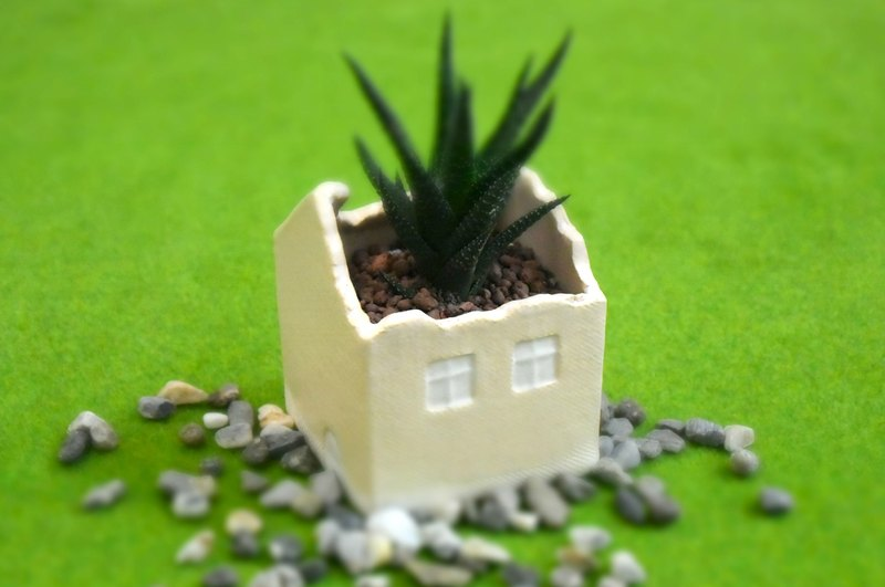 [good] beige ceramic house basic type _ flower _ pen holder _ storage _ table decoration _ Tao house