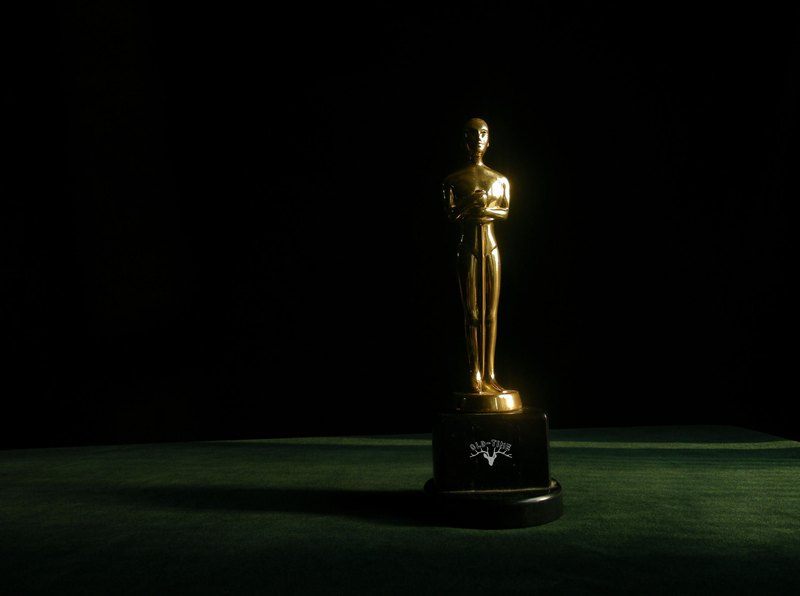 [Old Time OLD-TIME] Early Oscar trophy