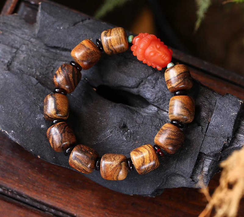 [New store welfare price] natural Indonesia Kalimantan tiger skin pattern agarwood beads bracelet / full of fat
