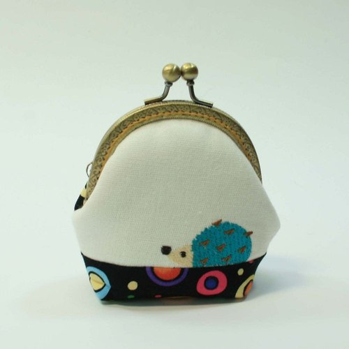 8.5cm purse mouth gold embroidery 13- hedgehog