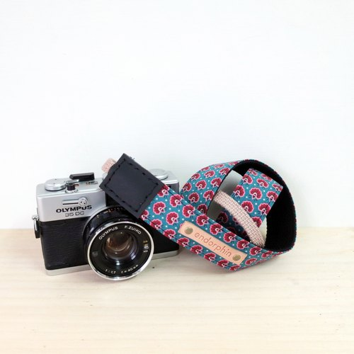 【Endorphin】 Handmade camera strap leather + cotton strap + metal buckle [ANIMAL Animal Series - Peacock]
