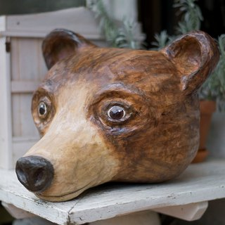 Wall decoration - brown bear