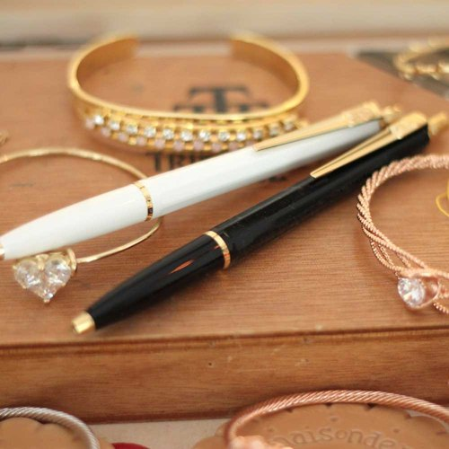 Gift pencil case Swedish classic design Ballograf Swedish pen Epoca P Luxe pen group black body pen white body automatic pencil Taiwan free shipping in the ~