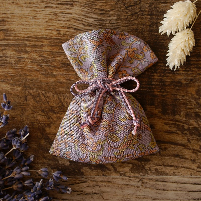 Kimono Scent bag A small item that calls happiness