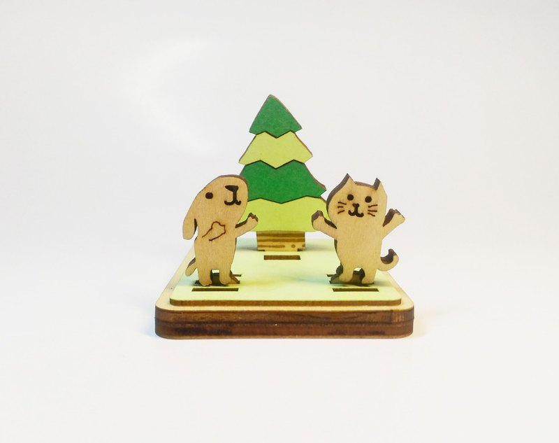 [Cats and dogs dance in the forest] Adjustable angle mobile phone / business card holder