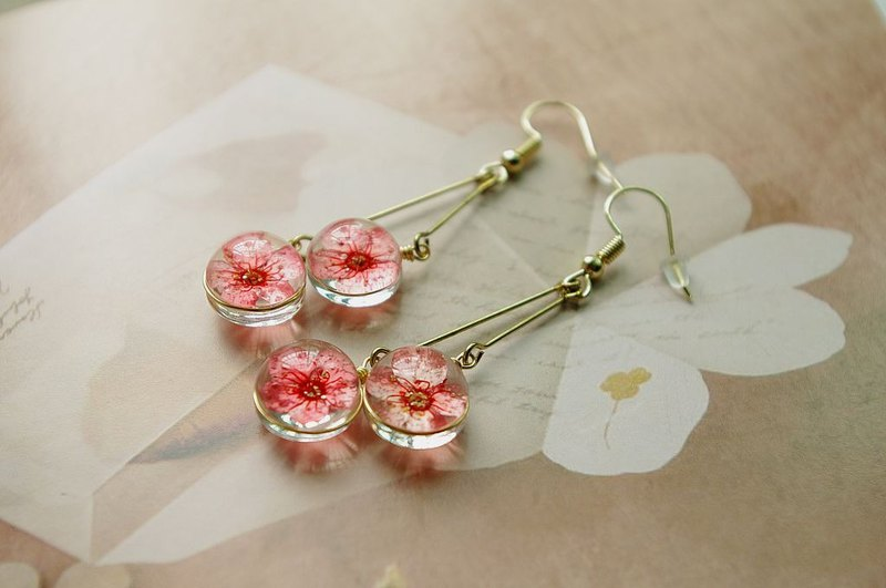 Handmade earrings with flowers,Elegant and popular earrings, Summer jewelry