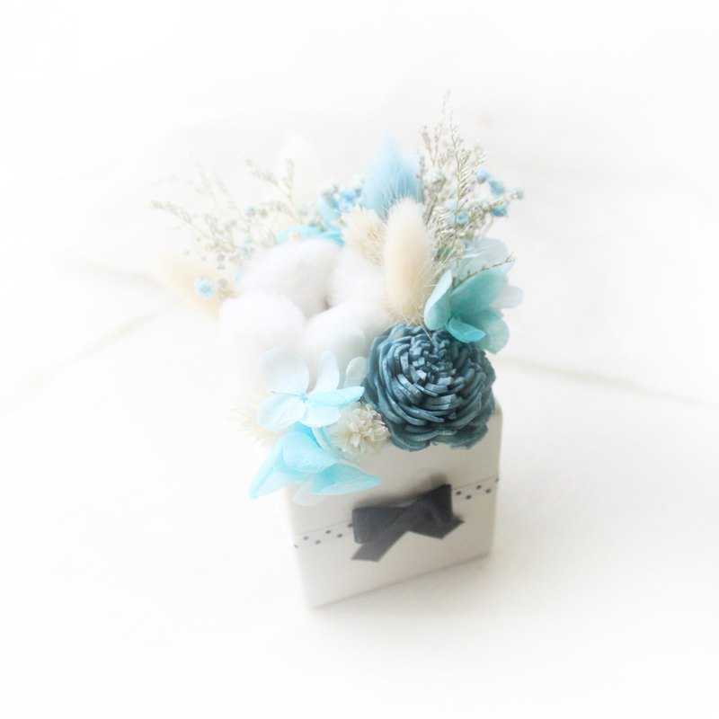 Blue Forest Elf Table Flower, White Cotton Dry Flower Ceremony