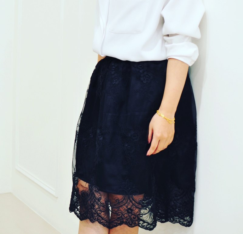 Flat 135 X Taiwan Designer Series Large Round Skirt Outer Black Strand Lace Wave Swing Lace Skirt Skirt Skirt Pants Skirt Small Sense Banded Wearing Wedding Wearing Christmas