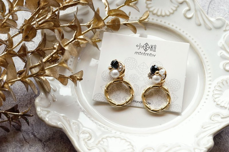 Simple Circle - Crystal Pearl Earrings