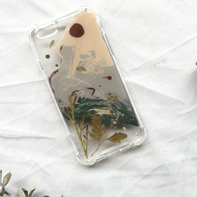 Handmade phone case/pressed flowers