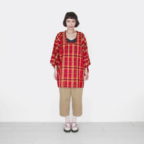 Waterproof material red plaid vintage feather kimono jacket blouse BK7016