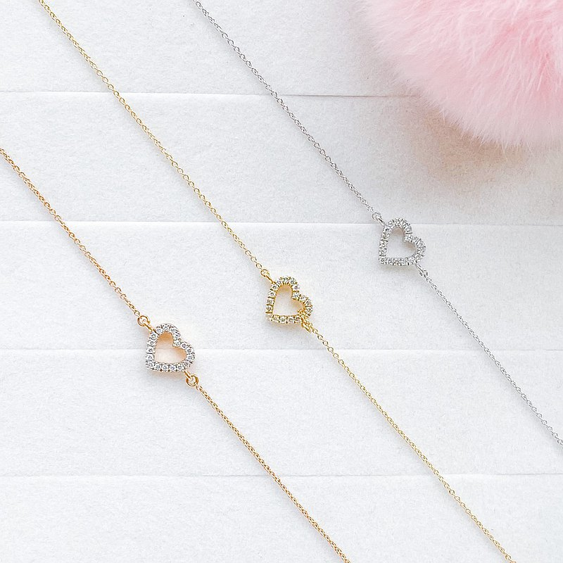 18K手鍊鑲有天然鑽石只要戴上它,眨眼間就很可愛。