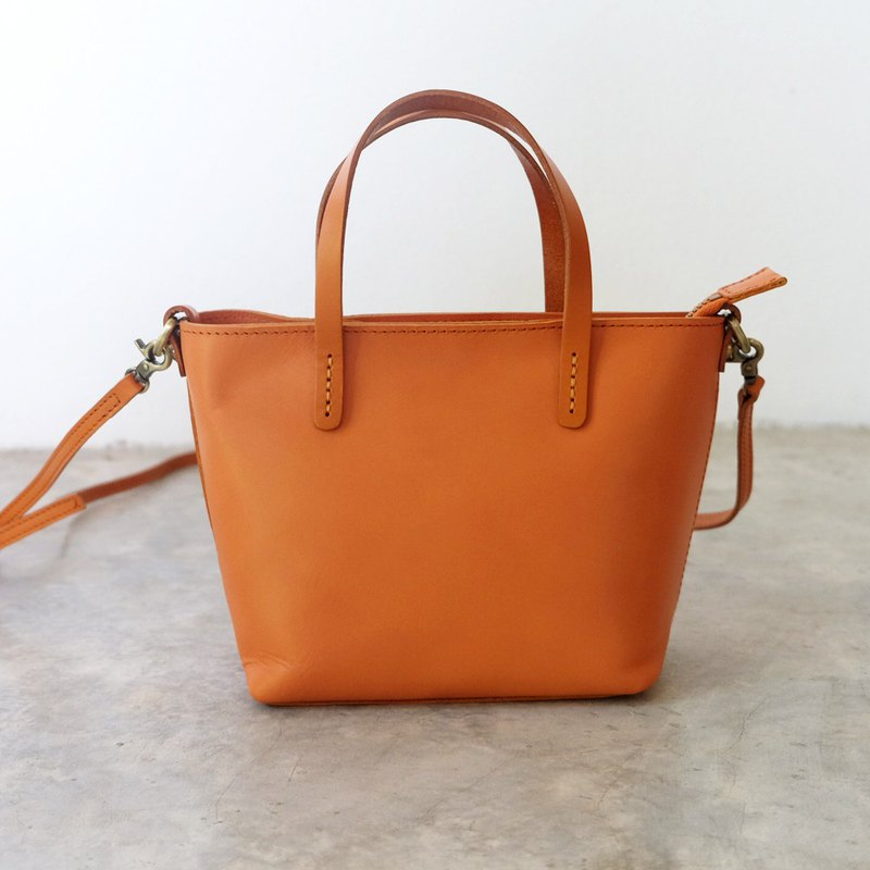 Tiny Retro Tan Zipper Leather Tote Bag / Mini Leather Cross-body Bag