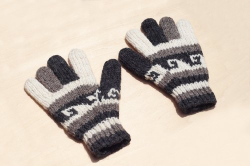 Christmas gift handmade limited edition pure wool knitted warm gloves / knitted gloves / full finger gloves - National Wind Totem Ocean