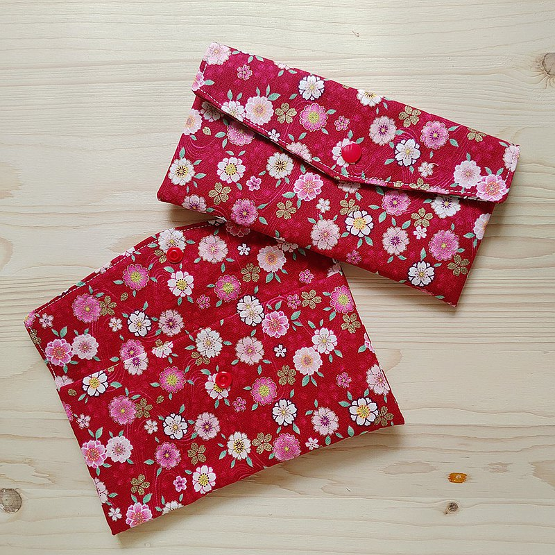 Small blossoming red bag / pouch pocket