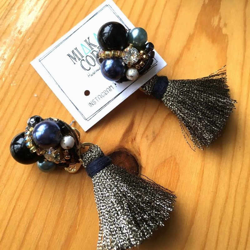 Handmade beaded Swarovski crystal blue tassel Japanese anti-allergic earrings / clip earrings