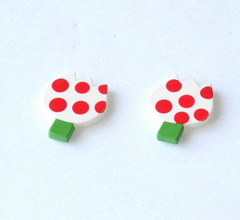 Tulips(dots) pierce