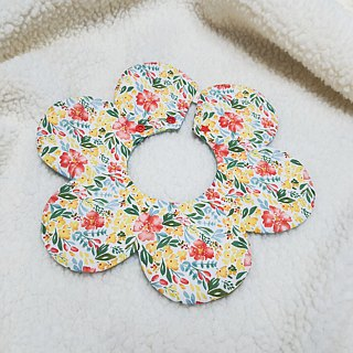 Color printing fur ball flower pocket / baby bib / bibs