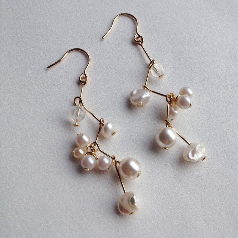 14 kgf fresh water pearl and crack crystal constellation long earring