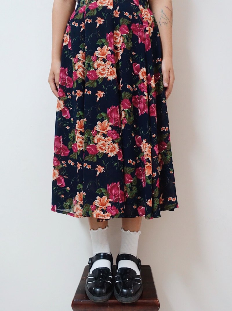 Awhile moment | Vintage Floral Skirt no.2