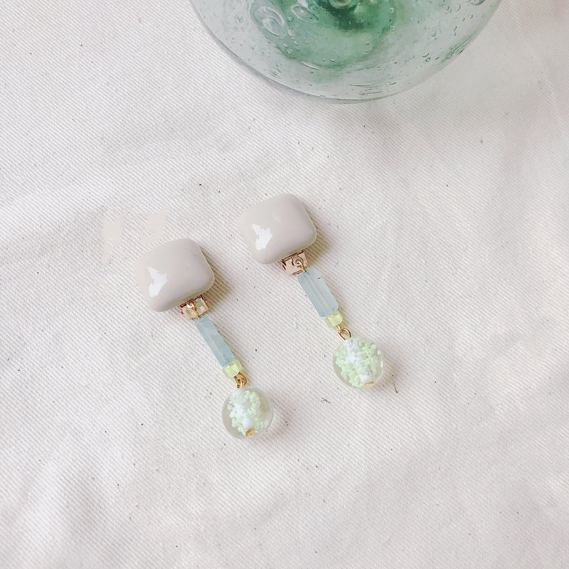 Summer Night - Clip-on Earrings