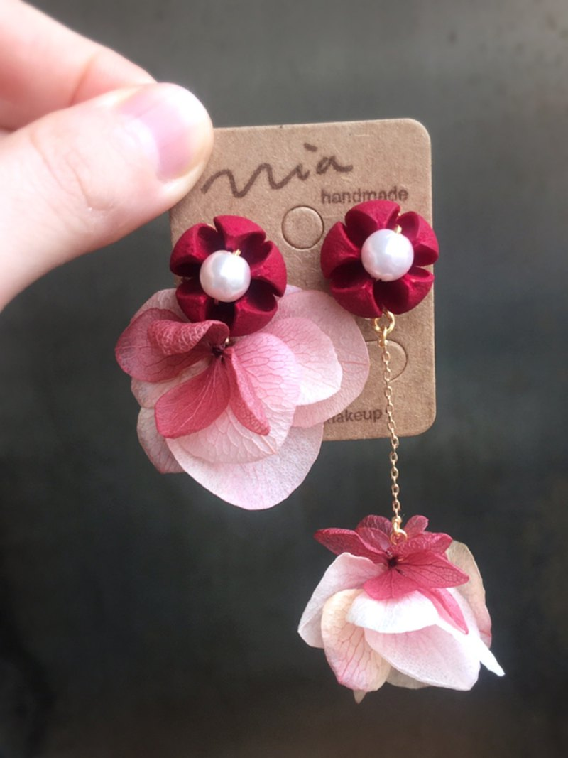 Hibiscus fruit and hydrangea round skirt two kinds of wearing asymmetric flower earrings without flower earrings