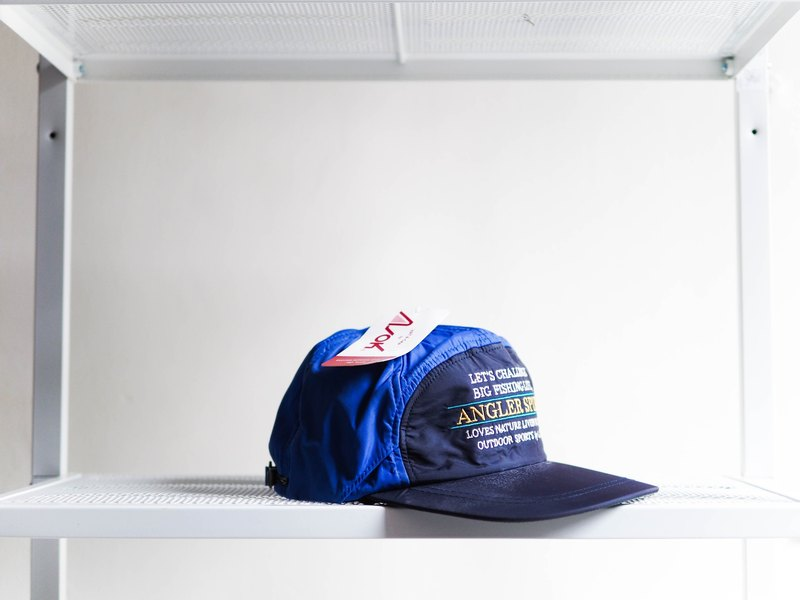 Indigo X deep sea blue whale dolphins 遨 fun antique flat top duck tongue baseball cap baseball cap