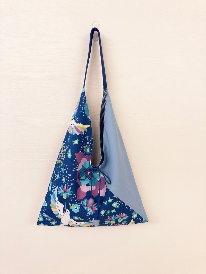 Triangle Shoulder Bag / Large Size / Star Dream Blue