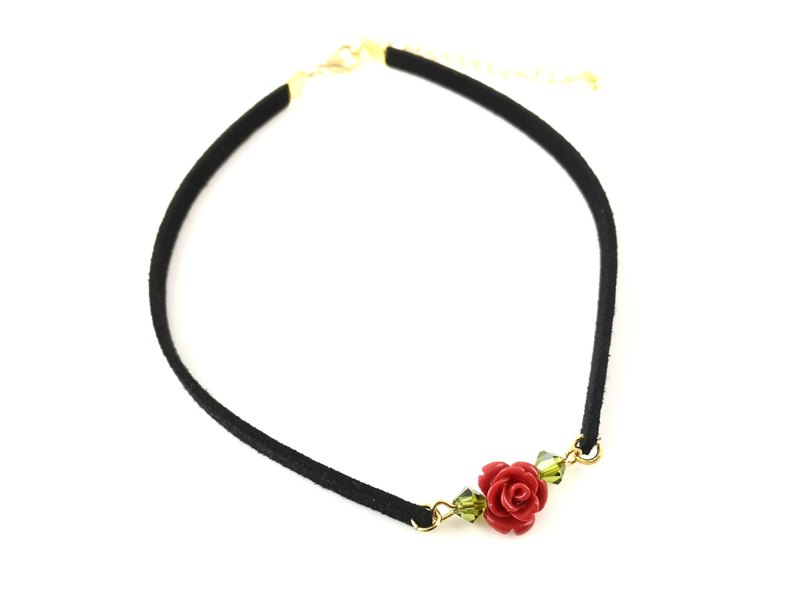 Red rose crystal necklace